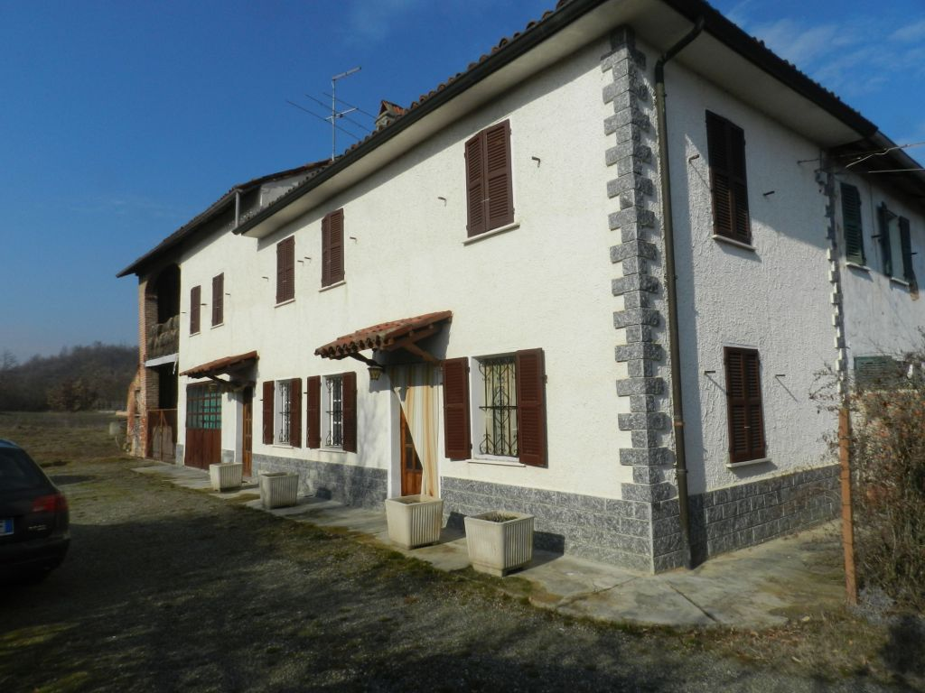 Casa di campagna con terreno edificabile stone house for Quattro piani di casa camera da letto ranch