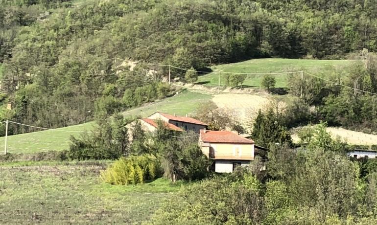 Casale con terreno e incredibile vista sulla valle del Bormida