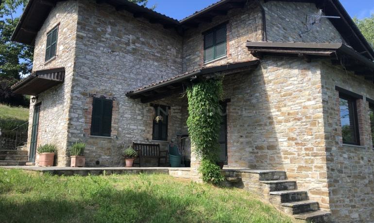 Prestigious stone farmhouse with amazing view