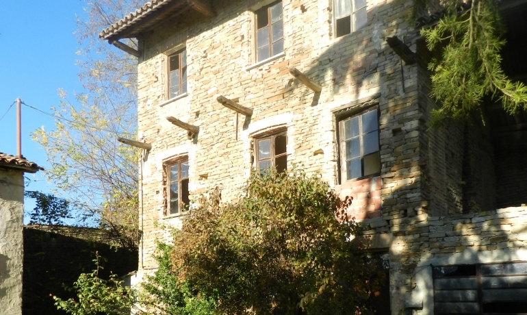 Old stone farmhouse in the heart of the Langhe Piedmont, UNESCO World Heritage