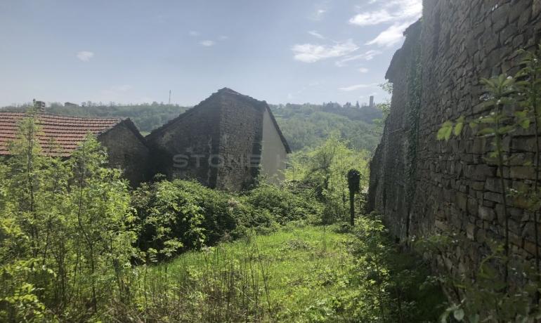 Rustico con stalla e terreno a Castelletto d'Erro