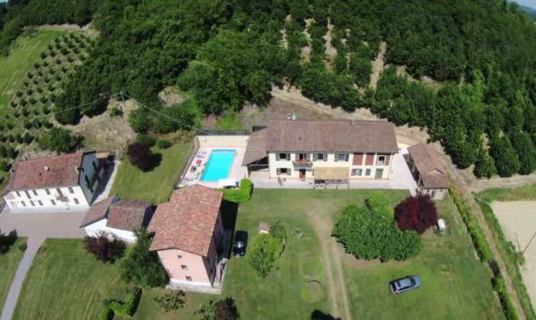Mombercelli , prestigioso casale nel Monferrato, cuore dell'Unesco