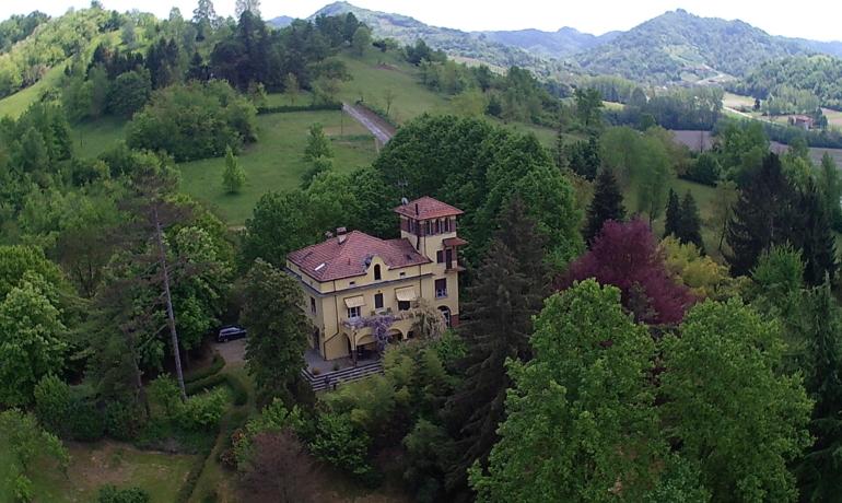 Prestigiosa villa d'epoca in collina a 30 minuti da Torino